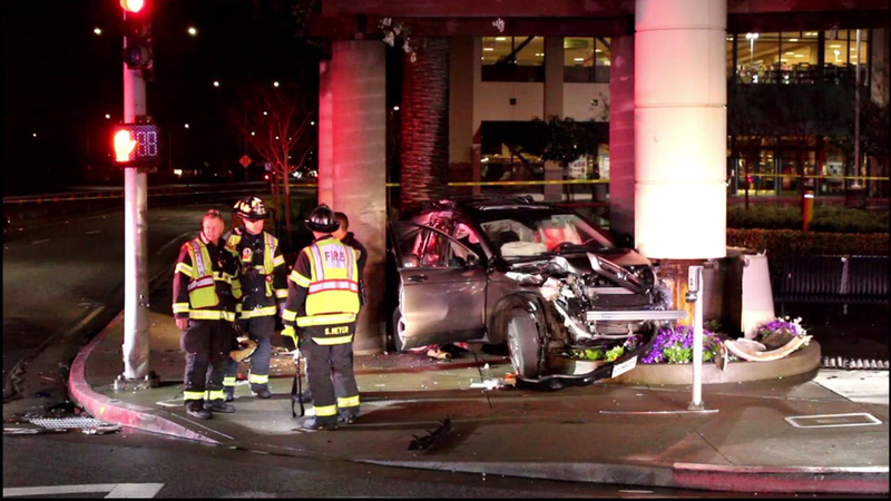2 burglary suspects hospitalized after chase ends in crash in san mateo abc7 san francisco 2 burglary suspects hospitalized after