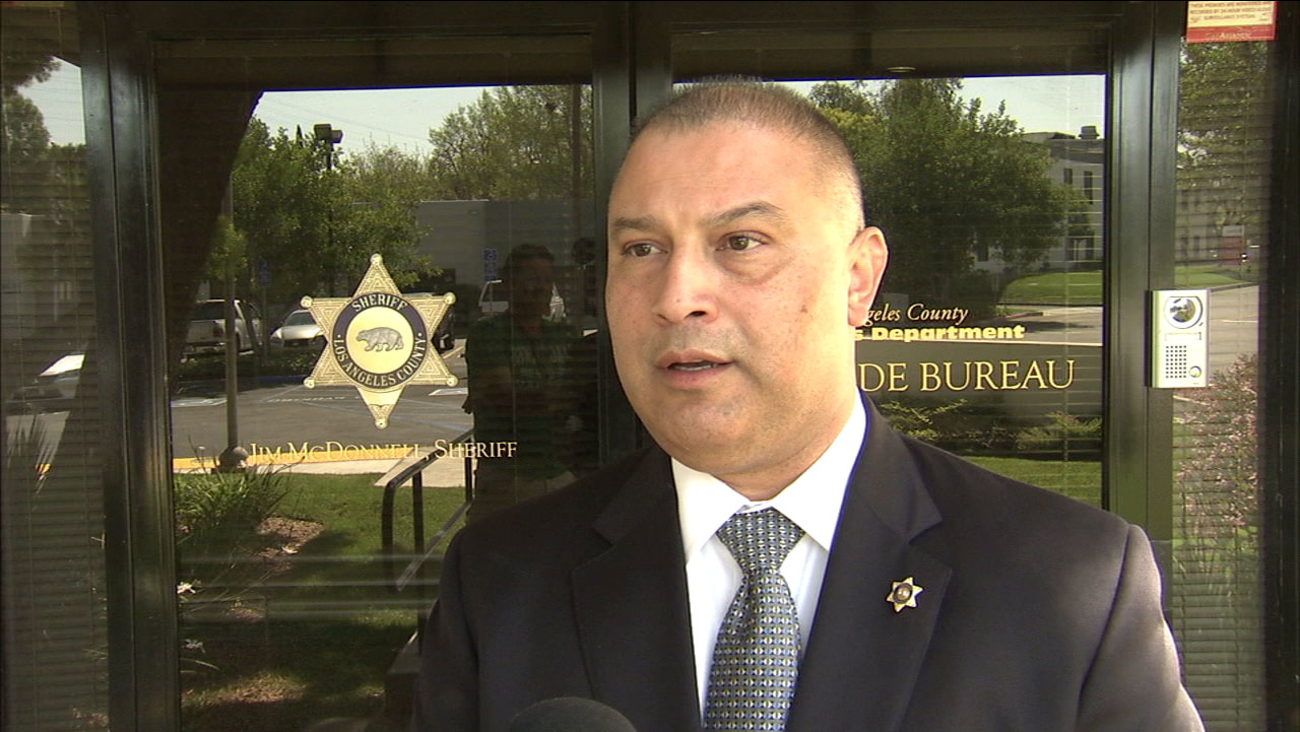 Lt. Eddie Hernandez of the Los Angeles County Sheriff's Department Homicide Bureau discusses the investigation into the death of Raymond Hodge.