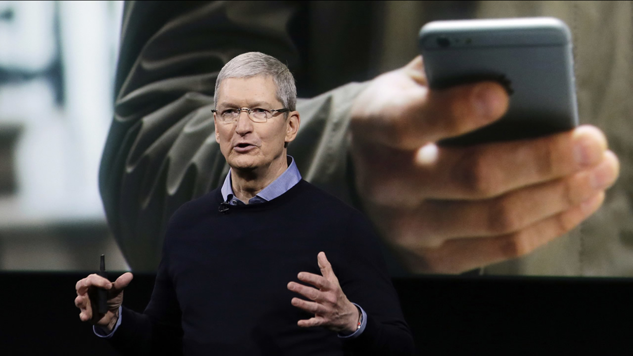 Apple CEO Tim Cook speaks at an event to announce new products at Apple headquarters, Monday, March 21, 2016, in Cupertino, Calif. (AP Photo/Marcio Jose Sanchez)