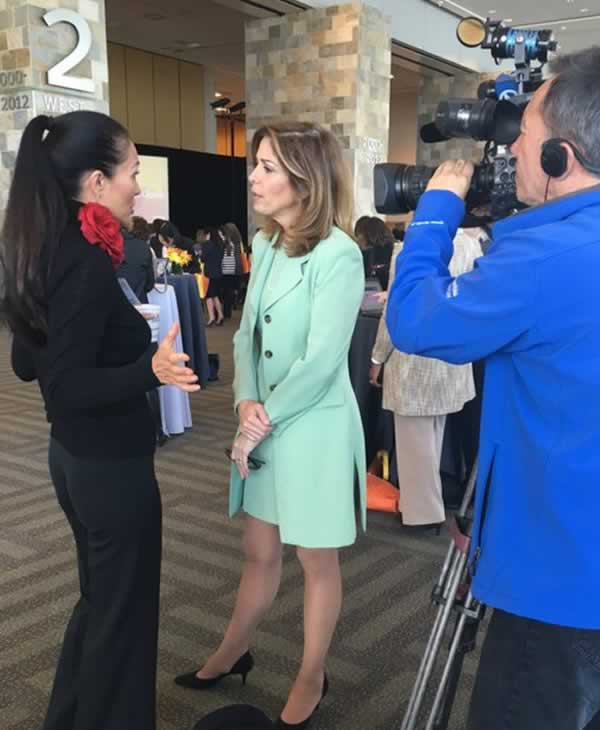<div class='meta'><div class='origin-logo' data-origin='none'></div><span class='caption-text' data-credit='KGO-TV'>Lyanne Melendez National Geographic's Dr. Elizabeth Lindsey at PBWC in San Francisco on Tuesday, March 22, 2016.</span></div>