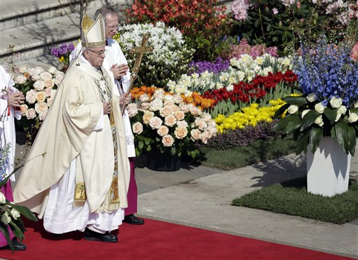 """<div class=""""meta image-caption""""><div class=""""origin-logo origin-image none""""><span>none</span></div><span class=""""caption-text"""">Pope Francis walks with his pastoral staff as he celebrates the Easter mass, in St. Peter's Square, at the Vatican, Sunday, March 27, 2016. (AP Photo/Gregorio Borgia) (AP)</span></div>"""