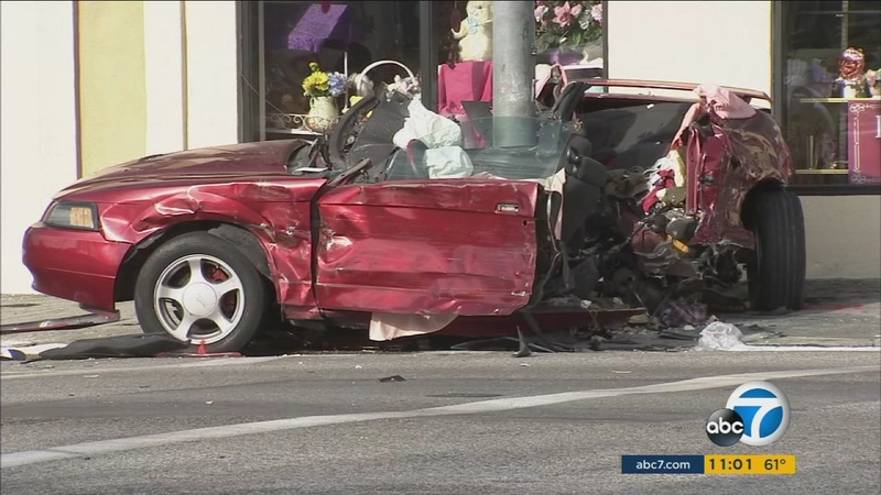 2 killed, 3 injured in violent car crash in Pasadena