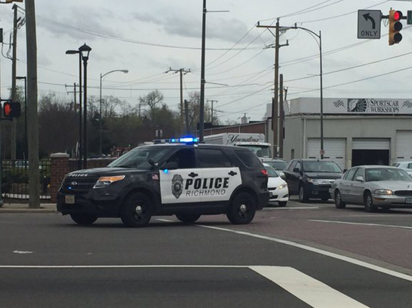 "<div class=""meta image-caption""><div class=""origin-logo origin-image none""><span>none</span></div><span class=""caption-text"">""This is the [sic] scene as Richmond Police block the Boulevard at Moore after Greyhound Bus Station shooting."" (Kristin Smith/WRIC)</span></div>"