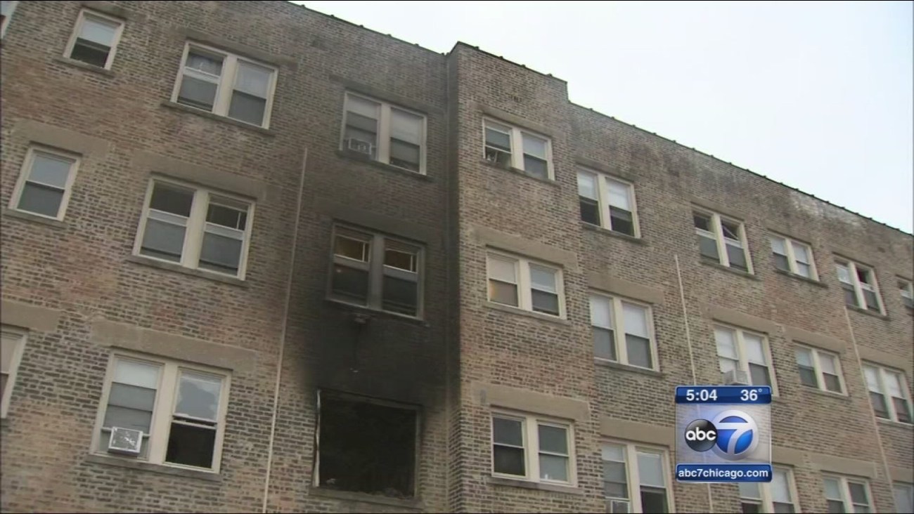 1 killed in apartment fire