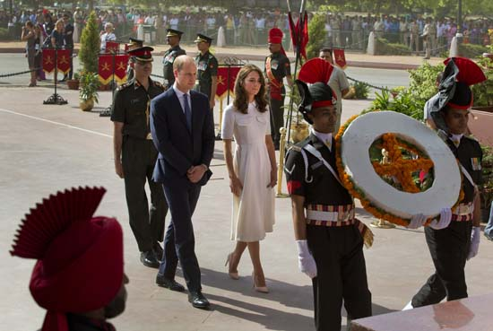 "<div class=""meta image-caption""><div class=""origin-logo origin-image ap""><span>AP</span></div><span class=""caption-text"">Britain's Prince William, along with his wife Kate, arrive to pay their tributes at the India Gate war memorial (Manish Swarup/Pool Photo via AP)</span></div>"