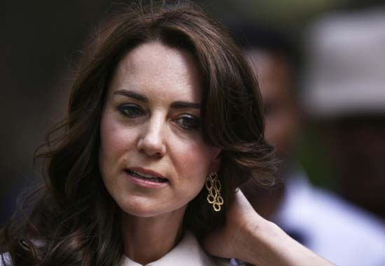 "<div class=""meta image-caption""><div class=""origin-logo origin-image ap""><span>AP</span></div><span class=""caption-text"">Kate, the Duchess of Cambridge, is seen while taking a tour of Gandhi Smriti (Saurabh Das/ Pool Photo via AP)</span></div>"