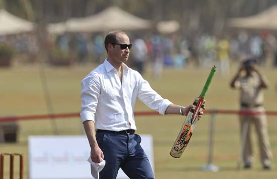 "<div class=""meta image-caption""><div class=""origin-logo origin-image ap""><span>AP</span></div><span class=""caption-text"">The Duke of Cambridge, Prince William, holds a bat as he plays cricket during a charity event at the Oval Maidan in Mumbai, India. (Rafiq Maqbool /Pool via AP)</span></div>"