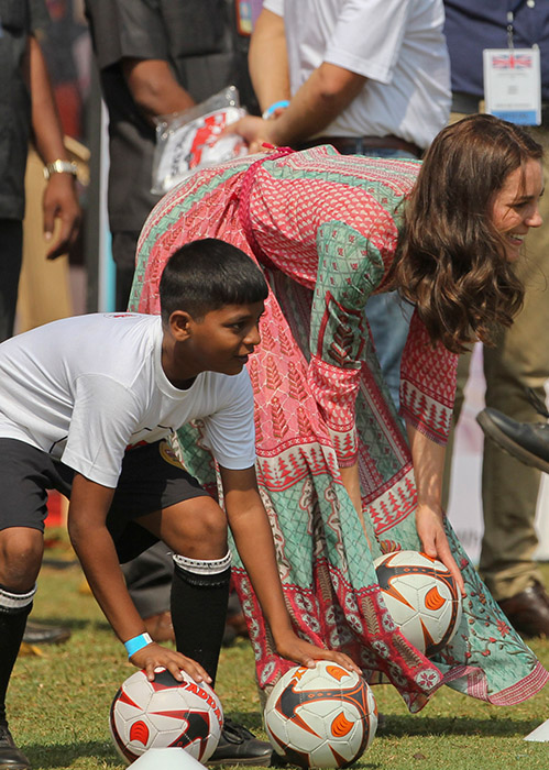 "<div class=""meta image-caption""><div class=""origin-logo origin-image ap""><span>AP</span></div><span class=""caption-text"">The Duchess of Cambridge, the former Kate Middleton, plays with Indian children during a charity event at the Oval Maidan in Mumbai, India, Sunday, April 10, 2016. (Rafiq Maqbool/Pool via AP)</span></div>"