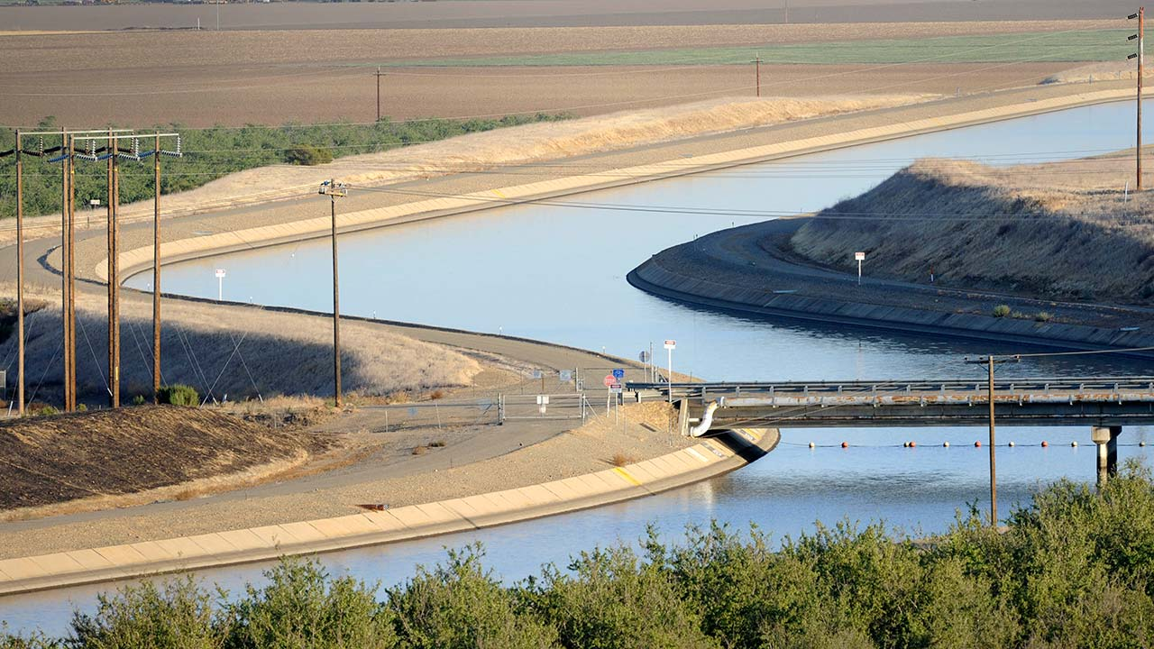 FILE: Canals carry water to southern California