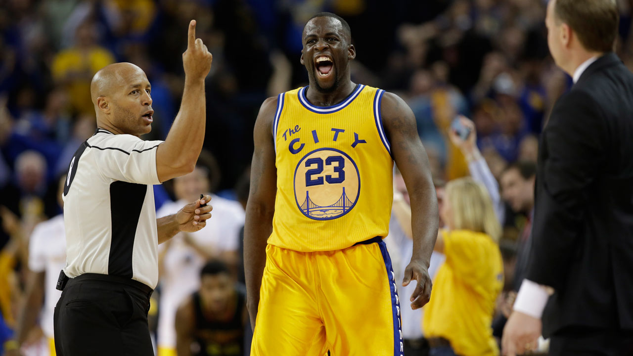 Golden State Warriors' Draymond Green (23) celebrates after scoring against the Atlanta Hawks during an NBA basketball game Tuesday, March 1, 2016, in Oakland, Calif.