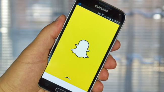 Aw Snap Snapchat Parent Prices Ipo At 17 A Share Valuing It At