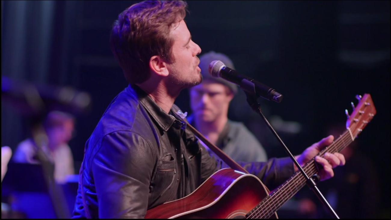 "Actor Charles Esten is seen singing as part of the ""Nashville in Concert"" tour."