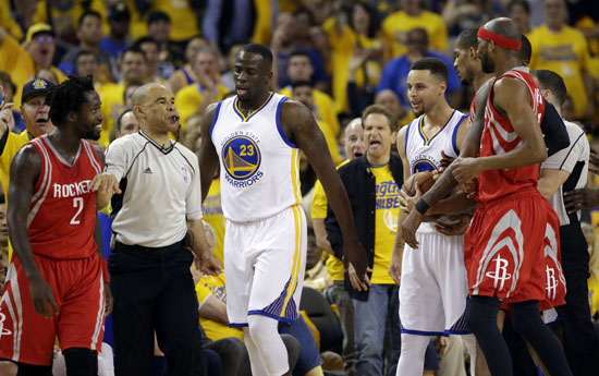 """<div class=""""meta image-caption""""><div class=""""origin-logo origin-image ap""""><span>AP</span></div><span class=""""caption-text"""">Houston Rockets' Patrick Beverley, left, is separated from Golden State Warriors' Stephen Curry, at right, after they both got into a shoving match during the first half. (Marcio Jose Sanchez)</span></div>"""