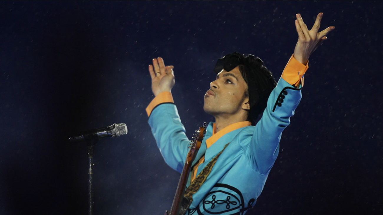 Prince performs during the halftime show at Super Bowl XLI at Dolphin Stadium in Miami, Sunday, Feb. 4, 2007.
