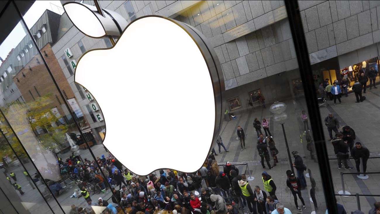 FILE: An Apple store in Munich, Germany.