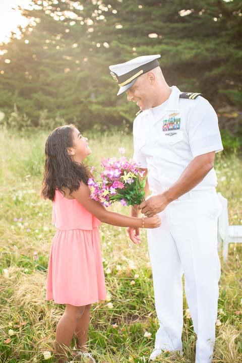 """<div class=""""meta image-caption""""><div class=""""origin-logo origin-image none""""><span>none</span></div><span class=""""caption-text"""">A professional photographer and U.S. Navy veteran from Monterey has created a touching series of photos highlighting the bond between military parents and their children. (Vanessa Hicks Photography)</span></div>"""
