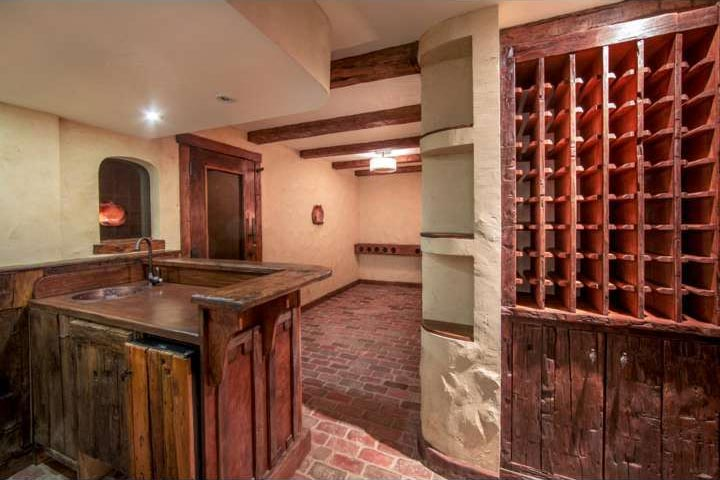 "<div class=""meta image-caption""><div class=""origin-logo origin-image none""><span>none</span></div><span class=""caption-text"">Former Philadelphia Phillies star Chase Utley has reportedly placed his Gladwyne, Pa. home on the market for $3.495 million. (Trend)</span></div>"