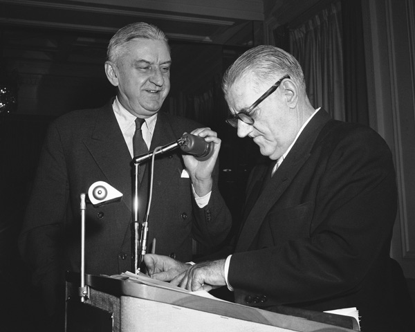 "<div class=""meta image-caption""><div class=""origin-logo origin-image ap""><span>AP</span></div><span class=""caption-text"">Washington Redskins Club president George Marshall with National Football League Commissioner Bert Bell in Philadelphia on Jan. 31, 1957. (AP Photo/Bill Ingraham)</span></div>"