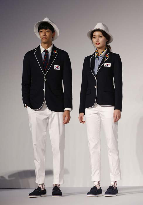 "<div class=""meta image-caption""><div class=""origin-logo origin-image ap""><span>AP</span></div><span class=""caption-text"">Models present the South Korean Olympic team uniforms for the opening and closing ceremonies of the 2016 Rio de Janeiro Olympic Games (AP Photo/Lee Jin-man)</span></div>"
