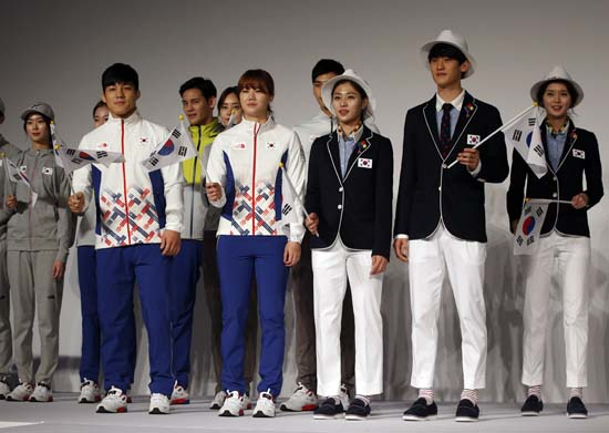 "<div class=""meta image-caption""><div class=""origin-logo origin-image ap""><span>AP</span></div><span class=""caption-text"">South Korean Olympic athletes and models present the South Korean Olympic team uniforms for the 2016 Rio de Janeiro Olympic Games (AP Photo/Lee Jin-man)</span></div>"