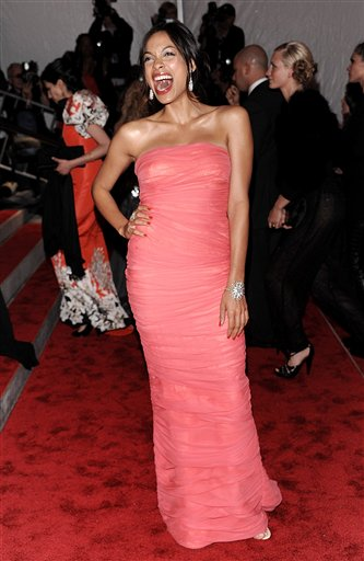 "<div class=""meta image-caption""><div class=""origin-logo origin-image ap""><span>AP</span></div><span class=""caption-text"">Actress Rosario Dawson arrives at the Metropolitan Museum of Art's Costume Institute Gala benefit on Monday, May 4, 2009 in New York. (AP Photo/Evan Agostini) (AP)</span></div>"