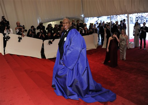 "<div class=""meta image-caption""><div class=""origin-logo origin-image ap""><span>AP</span></div><span class=""caption-text"">Andre Leon Talley arrives at the Metropolitan Museum of Art Costume Institute gala benefit, Monday, May 2, 2011 in New York.  (AP Photo/Evan Agostini) (AP)</span></div>"
