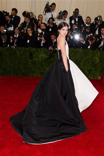 "<div class=""meta image-caption""><div class=""origin-logo origin-image ap""><span>AP</span></div><span class=""caption-text"">Hailee Steinfeld attends The Metropolitan Museum of Art's Costume Institute benefit gala celebrating ""Charles James: Beyond Fashion"" on Monday, May 5, 2014, in New York. (Charles Sykes/Invision/AP)</span></div>"