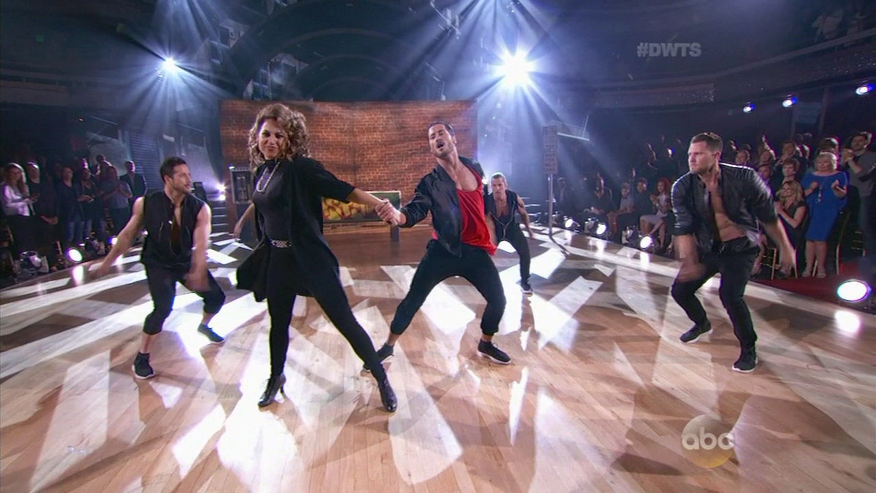After a double elimination, six stars remain in the running for the mirror ball trophy on 'Dancing with the Stars.'