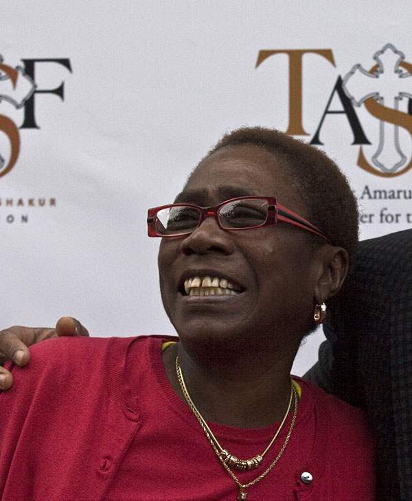 "<div class=""meta image-caption""><div class=""origin-logo origin-image none""><span>none</span></div><span class=""caption-text"">Afeni Shakur, the mother of rap artist Tupac, died May 2, 2016 at age 69. (Ron Harris/AP Photo)</span></div>"