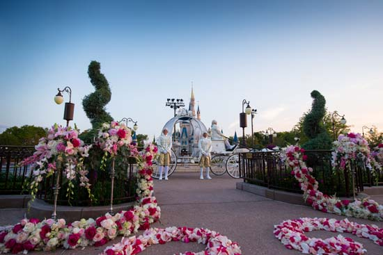 You Can Now Get Married In Front Of Cinderella S Castle At Disney World