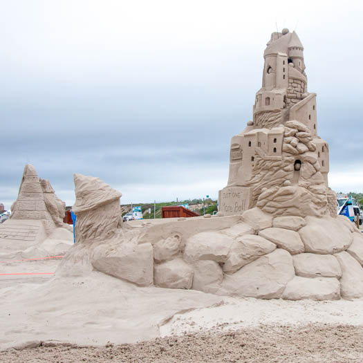 "<div class=""meta image-caption""><div class=""origin-logo origin-image none""><span>none</span></div><span class=""caption-text"">Photos from Texas SandFest in Port Aransas (Annette Berksan)</span></div>"