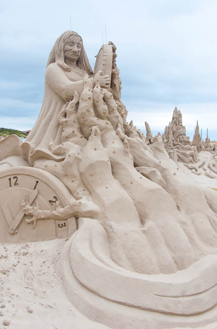 "<div class=""meta image-caption""><div class=""origin-logo origin-image none""><span>none</span></div><span class=""caption-text"">Photos from Texas SandFest in Port Aransas</span></div>"