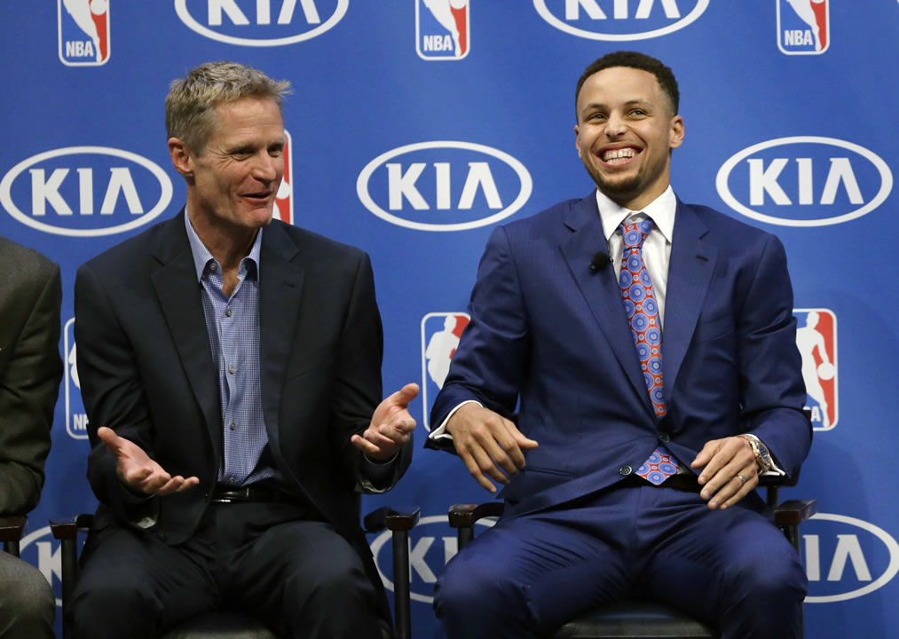 "<div class=""meta image-caption""><div class=""origin-logo origin-image none""><span>none</span></div><span class=""caption-text"">Golden State Warriors guard Stephen Curry smiles alongside head coach Steve Kerr during the NBA's Most Valuable Player award presentation on May 10, 2016, in Oakland, Calif. (AP Photo/Ben Margot)</span></div>"