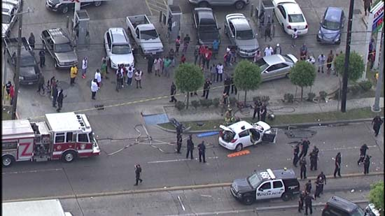 """<div class=""""meta image-caption""""><div class=""""origin-logo origin-image ktrk""""><span>KTRK</span></div><span class=""""caption-text"""">SkyEye captured these images of a crash that happened during a police chase in southeast Houston. (KTRK)</span></div>"""