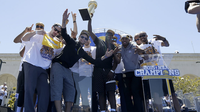 Warriors Fans pack Oakland for Golden State Warriors Victory Parade ... a22f7d6cc