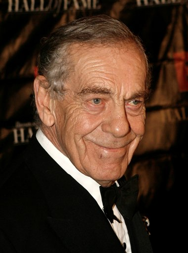 <div class='meta'><div class='origin-logo' data-origin='AP'></div><span class='caption-text' data-credit='AP Photo/Seth Wenig'>In this Oct. 21, 2008 file photo, news correspondent Morley Safer arrives at the Broadcasting and Cable Hall of Fame Awards in New York.</span></div>