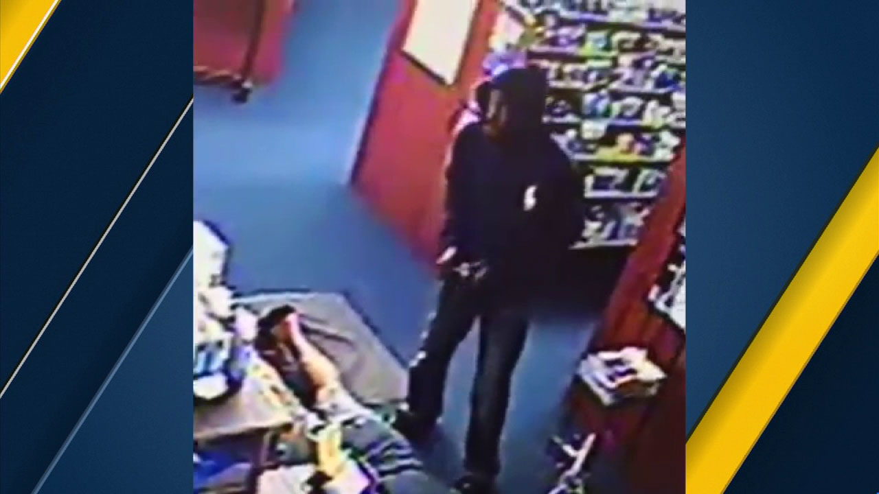 Surveillance video shows suspects who are wanted in a Mission Viejo pharmacy robbery.