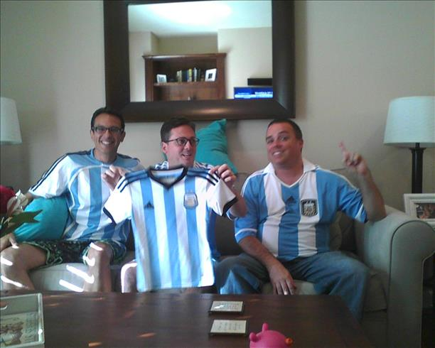 "<div class=""meta image-caption""><div class=""origin-logo origin-image ""><span></span></div><span class=""caption-text"">Cheering for Argentina win!  Keep sending in your World Cup fan photos! (photo submitted via uReport)</span></div>"