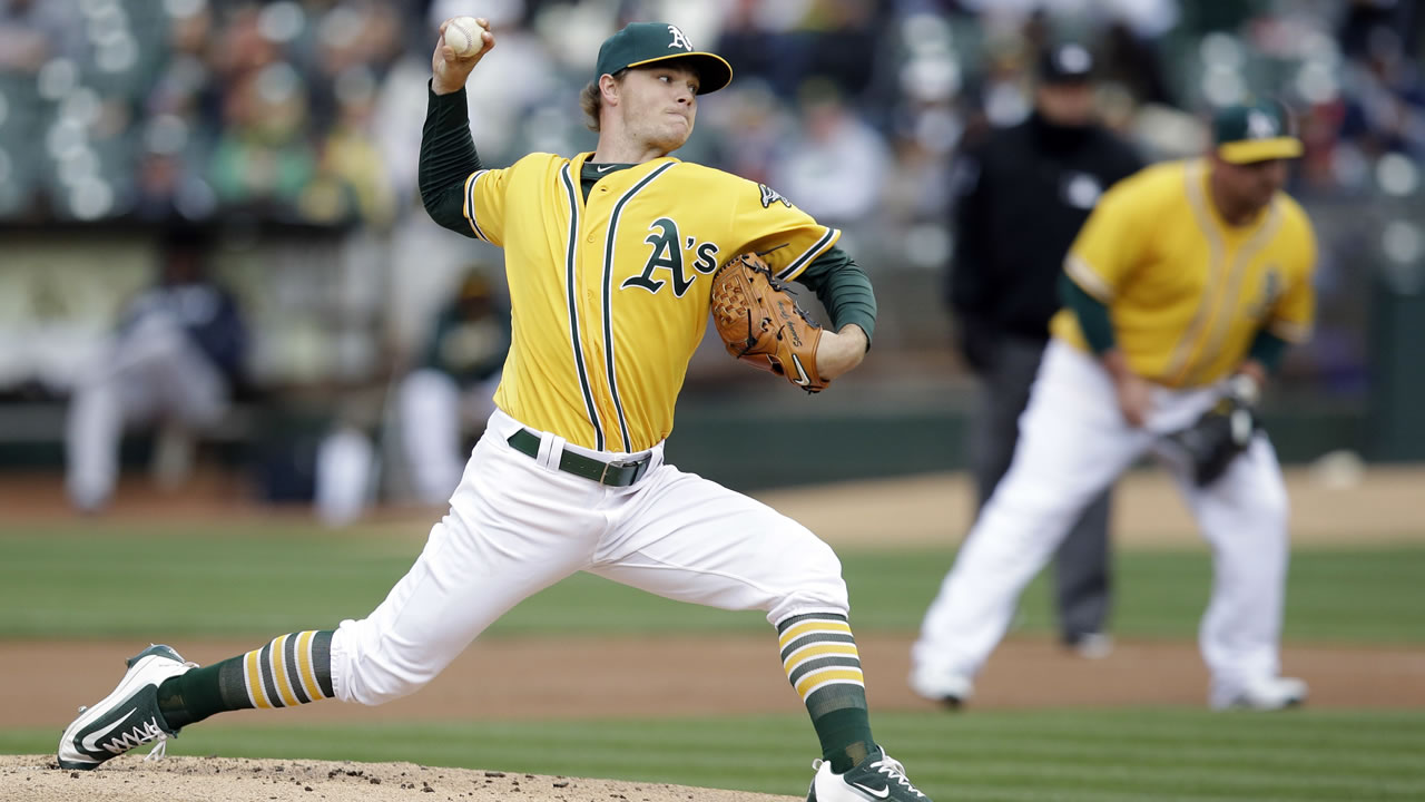 Oakland Athletics starting pitcher Sonny Gray throws to the New York Yankees during the first inning of a baseball game Friday, May 20, 2016, in Oakland, Calif.