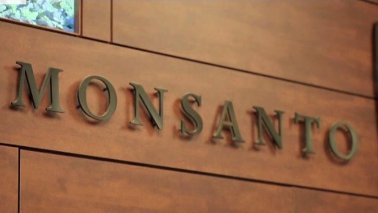 Bayer makes bid for Monsanto