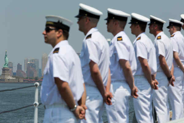 "<div class=""meta image-caption""><div class=""origin-logo origin-image none""><span>none</span></div><span class=""caption-text"">Crew members of Her Majesty Canadian Ship Athabaskan man the rails as they sail past the Statue of Liberty, Wednesday, May 25, 2016 in New York. (AP Photo/Mary Altaffer)</span></div>"