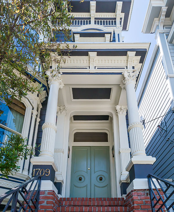 <div class='meta'><div class='origin-logo' data-origin='none'></div><span class='caption-text' data-credit='Vanguard Properties/Ed Deleski'>The Victorian home, built in 1883, includes 3 bedrooms  and 3 1/2 baths. Located in San Francisco's Lower Pacific Heights neighborhood, the home is listed for $4.15 million.</span></div>
