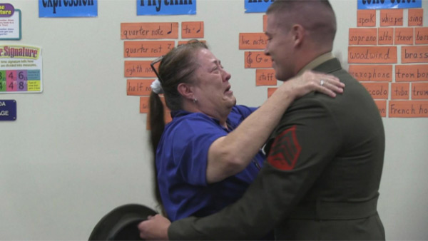 Marine surprises his mom at school after 2 years apart