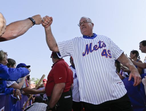 "<div class=""meta image-caption""><div class=""origin-logo origin-image ap""><span>AP</span></div><span class=""caption-text"">Former New York Mets player Ed Hearn greets fans as he arrives at Citi Field. (AP)</span></div>"