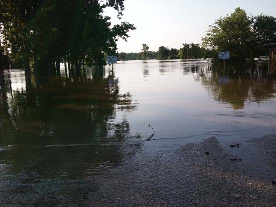 "<div class=""meta image-caption""><div class=""origin-logo origin-image ktrk""><span>KTRK</span></div><span class=""caption-text"">Viewer-submitted photos of flooding in southeast Texas (Viewer-submitted photo)</span></div>"