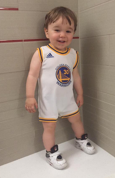 <div class='meta'><div class='origin-logo' data-origin='none'></div><span class='caption-text' data-credit='(pic via Lee Ann Lozon /Twitter)'>#DubNation we want to see your pride! Tag pics #DubsOn7. http://abc7news.com/warriors/</span></div>