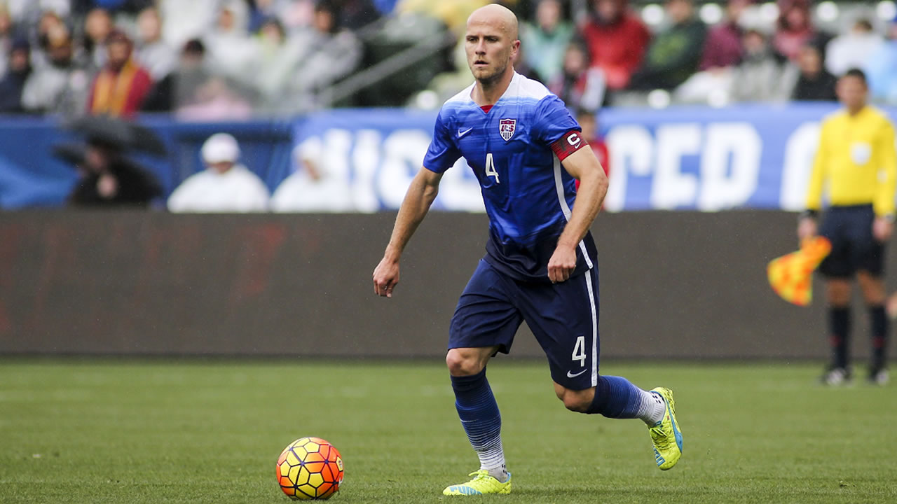 United States midfielder Michael Bradley #4 in actions against Iceland during a men's international friendly soccer game in Carson, Calif., Sunday, Jan., 31, 2016.