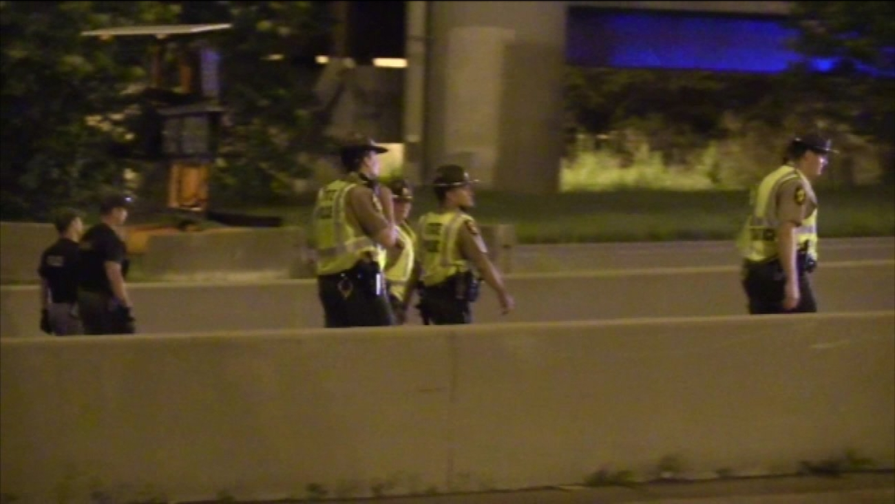 Illinois State Police investigate a shooting on I-55 in Chicago.