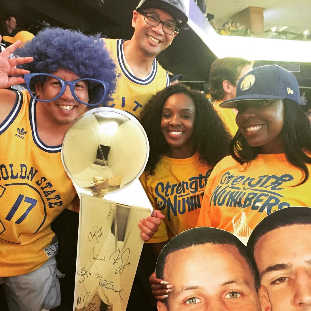 "<div class=""meta image-caption""><div class=""origin-logo origin-image none""><span>none</span></div><span class=""caption-text"">We want to see your fan pride, so tag your photos #DubsOn7 and we may feature them here or on TV. (Photo submitted to KGO-TV by @splashfro/Twitter)</span></div>"