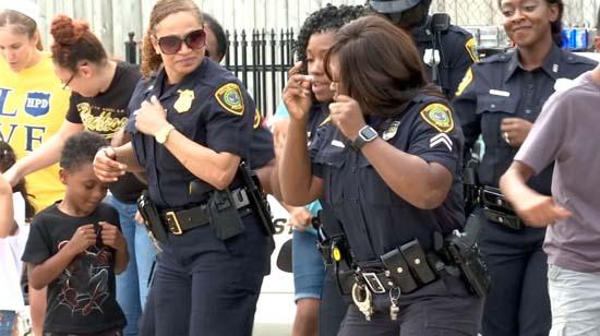 "<div class=""meta image-caption""><div class=""origin-logo origin-image ktrk""><span>KTRK</span></div><span class=""caption-text"">Houston Police take on Running Man Challenge</span></div>"